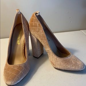 Shoe Dazzle chunky heeled shoes